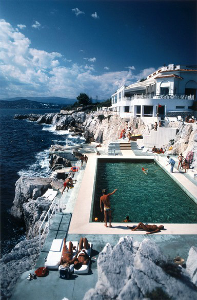 Cliff top pool (parisian secrets)